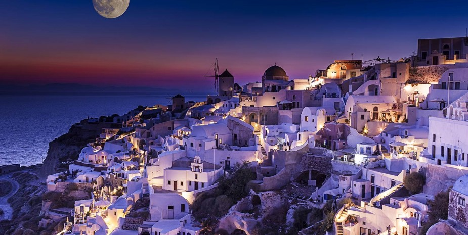 Beautiful-purple-moonlight-Santorini-wallpaper